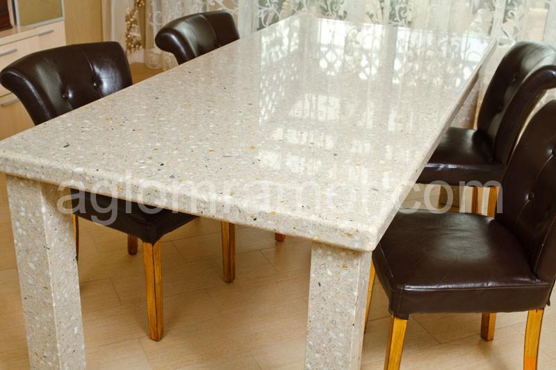 Обеденные столы из искусственного камня
