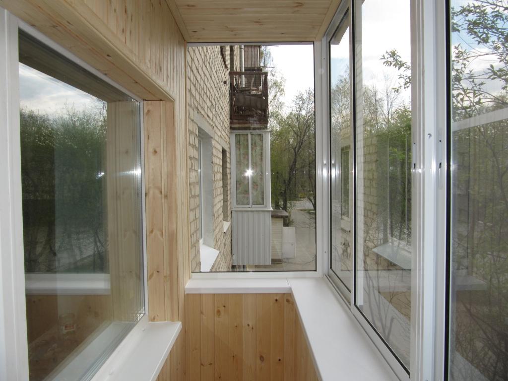 Остекление п-образного балкона 2,4х1,6х0,8 алюмин.профилем p.